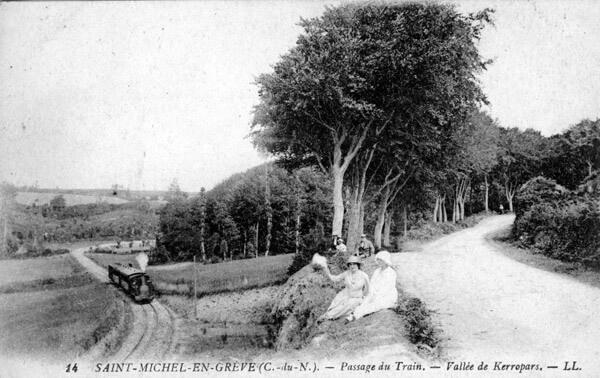 Passage du train dans la vallée des Kerropars