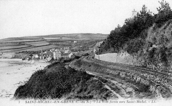 La voie ferrée vers Saint-Michel-en-Grève